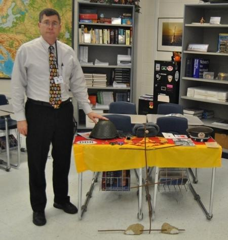 Substitute teacher brings history alive with pre-Veterans Day lesson