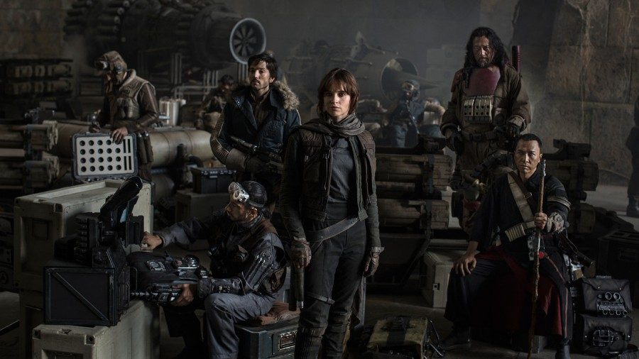Jyn+Erso+%28Felicity+Jones%29+and+Cassian+Andor+%28Diego+Luna%29%2C+along+with+their+fellow+insurgents%2C+prepare+to+recover+the+plans+of+the+enemy+space+station%2C+the+Death+Star.+Despite+having+a+promising+initial+plot%2C+the+film+is+confused+in+regards+to+story+and+characters.+%0A