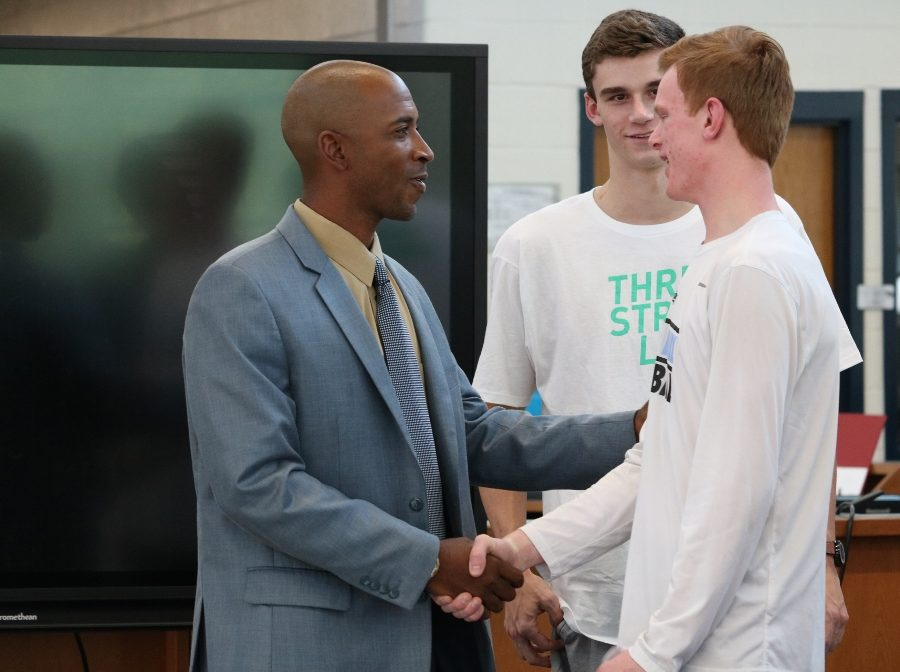 Boys' basketball introduces new head coach
