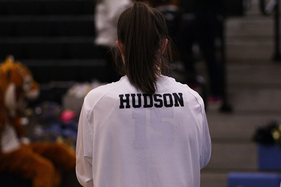 Junior+Alice+Anne+Hudson+warms+up+before+the+game+against+Fayette+County.+Hudson+scored+16+points+to+break+the+school%E2%80%99s+all-time+school%E2%80%99s+scoring+record+previously+set+at+1%2C062.+