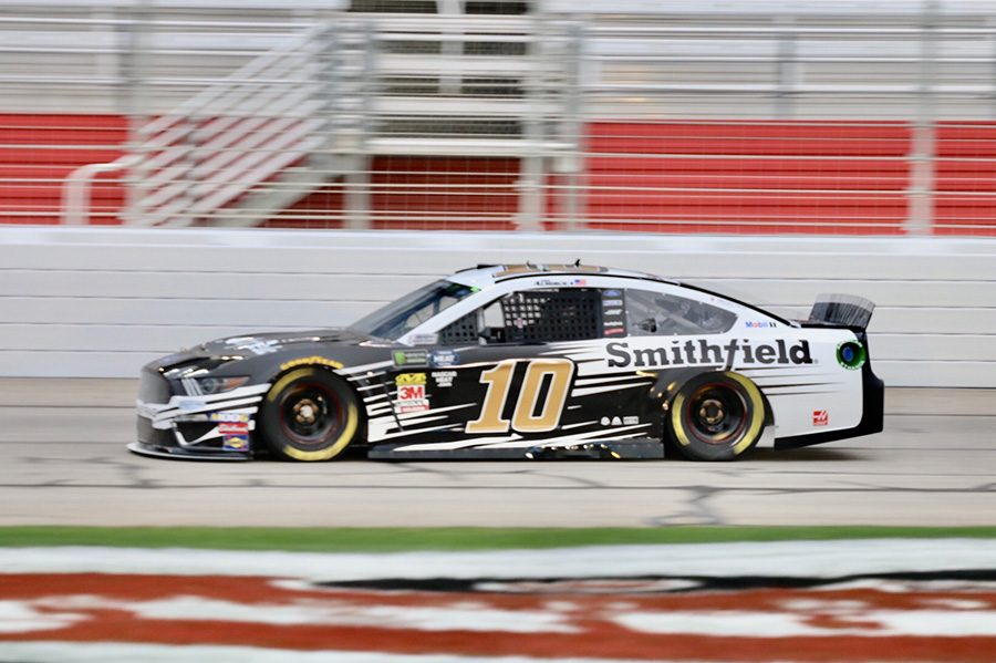 Aric+Almirola%2C+driver+of+the+No.+10+Smithfield+Ford+for+Stewart-Haas+Racing%2C+won+the+pole+with+a+time+of+30.550+seconds.+He+lead+a+pack+of+Fords+that+crowded+the+top+five+spots%2C+with+Denny+Hamlin%E2%80%99s+No.+11+FedEx+Ground+Toyota+for+Joe+Gibbs+Racing+being+the+only+non-Ford+top-five+finisher.