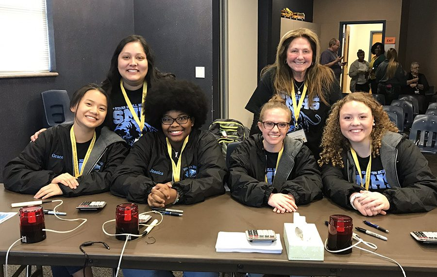 Deaf and hard of hearing academic bowl team competes at region.