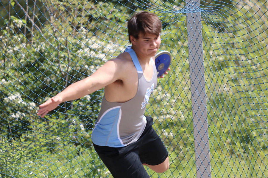 Senior+Joseph+Lynch+winds+up+to+throw+in+the+discus+preliminaries.+Lynch+threw+a+distance+of+123+feet+in+finals+to+place+him+at+third+overall.+He+will+be+moving+onto+throw+at+the+Sectional+Meet.+