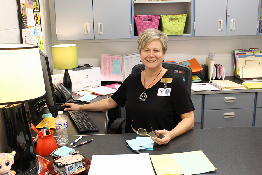 Guidance counselor Shellie Edwards returns not just to Starr's Mill but also the same office she left ten years ago. Edwards works with students whose last names start with Du - Kj.
