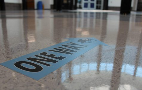 Hallway markers show the direction for student traffic to flow out of the 800 hallway. The COVID-19 pandemic has created many new changes to begin the year at Starr's Mill. Students and faculty will have to adjust to one-way hallways, mask requirements, and a revised book bag policy.