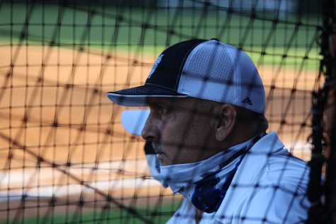 After serving as the head coach of the softball team for 20 years, Mark Williamson has decided to step down. His career record as head coach stands at 429-230-4. The team has made it to the state championship seven times and placed as the runner-up twice in 2003 and 2020.